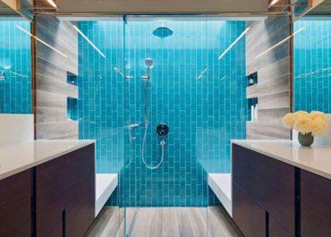 Επιπλωμένο μπάνιο .